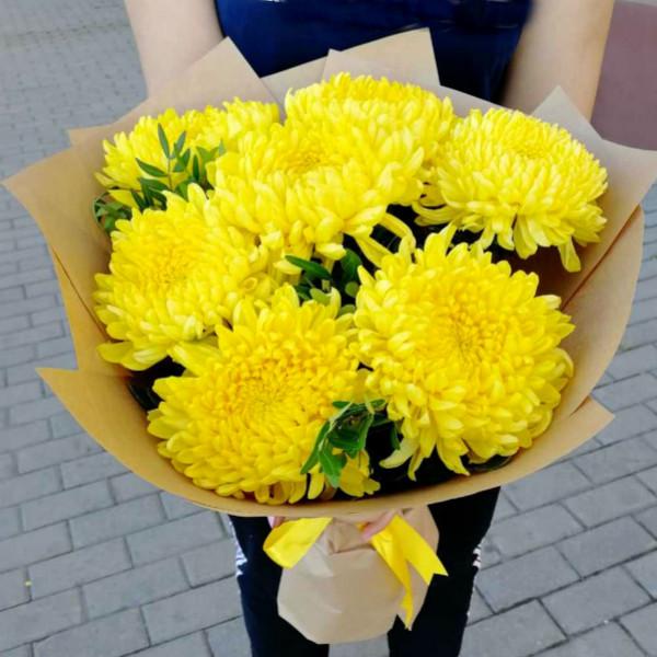 Букет бело желтых хризантем - купить с доставкой в Rozbuket.ru | 600x600