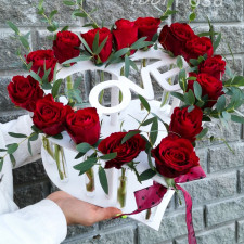 Ящик №14 / Розы красные  в колбах